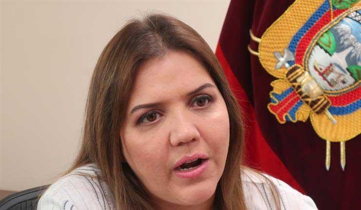 Maria Alejandra Vicuña, Ecuador,